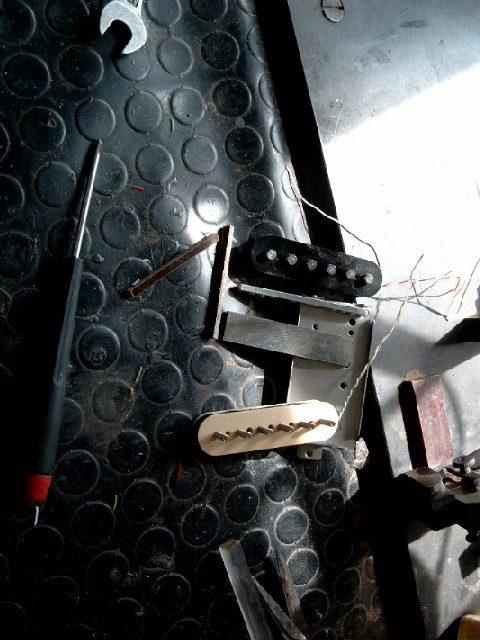 Bobinage de micros - Je monte toute sorte de micros sur mes instruments, des fois il m'arrive même de les bobiner moi-même